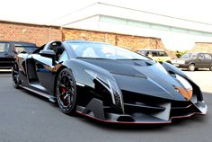 The Supercar Kids – First Lamborghini Veneno Roadster Delivered