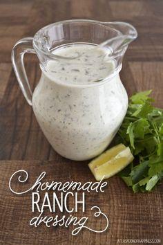 Healthy Copy Cat Ranch Dressing with Sour Cream | Homemade Recipes http://homemaderecipes.com/healthy/18-homemade-salad-dressing-recipes