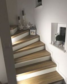 Staircase makeover renovation in 60 years corridor. – Miss Emmama Staircase makeover renovation in 60 years corridor. – Miss Emmama Interior Stairs, Room Interior, Interior Design Living Room, Redo Stairs, House Stairs, Modern Staircase, Staircase Design, Decorating Staircase, Staircase Makeover