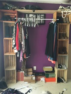 Closet rod goes in between opening of cra - DIY cloves rackusing wooden crates. Closet rod goes in between opening of cra DIY cloves rackusing wooden crates. Closet rod goes in between opening of cra Diy Clothes Rack Cheap, Diy Clothes Hanger Rack, Diy Clothes Storage, Clothing Storage, Clothing Organization, Hanger Crafts, Clothes Racks, Closet Organization, Wooden Crates