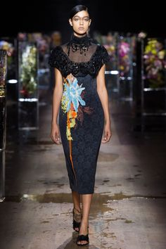 Dries Van Noten Spring/Summer 2017 Ready-To-Wear Collection