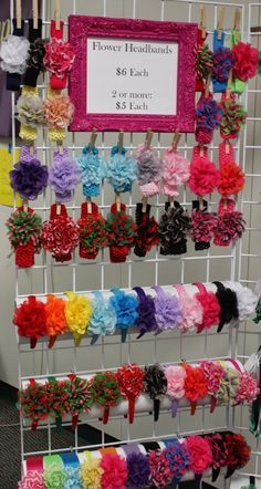 Headband display for craft booth Hair Bow Display, Headband Display, Ribbon Display, Craft Fair Displays, Displays For Craft Shows, Stall Display, Display Ideas, Booth Ideas, Headband Crafts