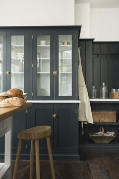 Colours of cupboards, stone benches, timber, brushed brass fittings, shaker cupboards Home Interior, Kitchen Interior, Kitchen Design, Interior Plants, Shaker Kitchen, Jenny's Kitchen, Kitchen Cabinets, Classic Kitchen, Shaker Style Cabinets