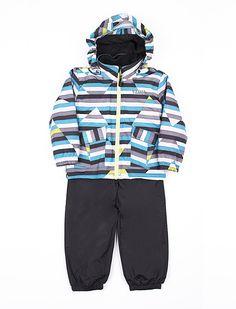 Habit de pluie 3-en-1 Vamos avec capuchon détachable $69,95 Cet ensemble de mi-saison est parfait pour les temps pluvieux ou venteux avec sa formule 3 en 1 qui comprend une veste imperméable et coupe-vent, un pantalon de nylon avec fine doublure et une veste polaire amovible. Avec son capuchon détachable, ses poches à rabat à l'avant et ses couleurs vives, il permettra à votre garçon de s'amuser peu importe la température! Imperméable et pantalons : Extérieur : 100% Polyester Enduit : 100