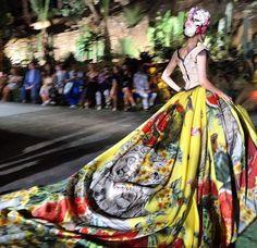 Dolce & Gabbana Alta Moda Fall/Winter 2015 |╰☆╮ZPeacocks...╰☆╮|