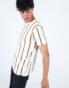Camiseta rayas marrón JVZ. Polo, Men's Shirts, Men's, Striped T Shirts, Pants, Knight, Urban, Men, Polos