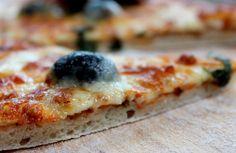 Pizza maison http://www.supermomix.com/tartes-tourtes-pizzas/pizza-thermomix/