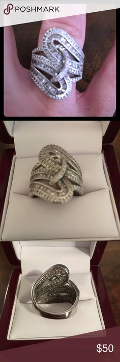 Lady's sterling silver ring Lady's sterling silver diamond CZ Baggete's beautiful ring size 8 Jewelry Rings