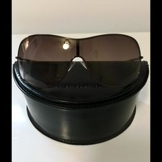 Marc by Marc Jacobs Sunglasses Marc by Marc Jacobs Rare Sunglasses MMJ 263/S Brown Gradient Yellow Sunglasses W/ original case! No cloth ! Preloved Excellent shape ! No scratches on the lenses! Logo on left upper lense! Marc by Marc Jacobs Accessories Glasses