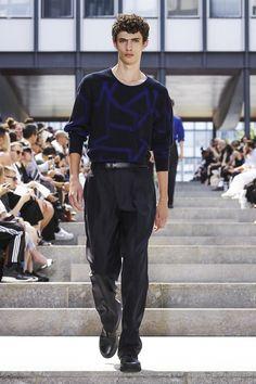 Issey Miyake Menswear Spring Summer 2018 Collection in Paris