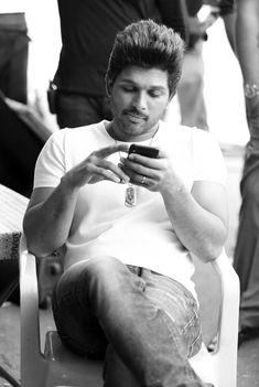 Ram Photos, Couple Photos, Dj Mix Songs, Allu Arjun Wallpapers, Telugu Hero, Avengers Drawings, Allu Arjun Images, Pics For Dp, Actors Images
