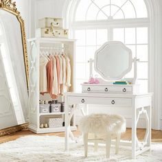 Teen Girl Bedrooms striking post - A basic collection on teen room concept. For more wonderful styling examples simply push the web link right now Teenage Girl Bedrooms, Girls Bedroom, Girl Rooms, Bedroom Themes, Bedroom Decor, Bedroom Designs, Bedroom Ideas, Pb Teen, Vanity Desk