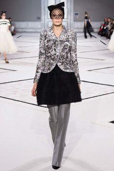 Giambattista Valli Spring 2015 Couture Fashion Show Collection