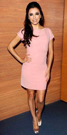 Love the hair, love the dress. (Eva Longoria)