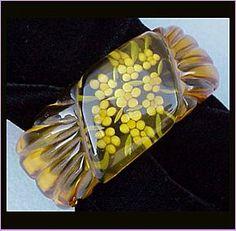 Beautiful reverse-carved and painted Bakelite clamper bracelet Vintage Costume Jewelry, Vintage Costumes, Vintage Jewelry, Vintage Sweets, Plastic Jewelry, Apple Juice, Bangle Bracelets, Bangles, Vintage Frames