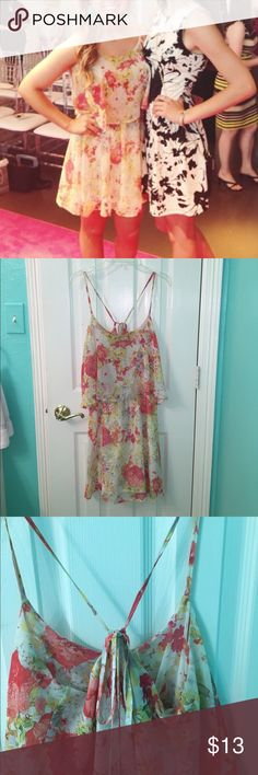 floral flounce dress adjustable straps that can be tied tighter or looser!! perfect condition and can be dressed up or down (not lulus) Lulu's Dresses Backless