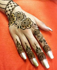 Henna Mehndi, Mehendi, Mehndi Images, Beautiful Rangoli Designs, Mehandi Designs, Henna Patterns, Cute Nails, Creative Art, Tatoos
