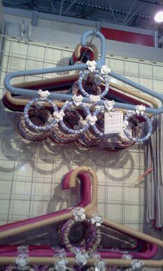 Cabide porta cintos e echarpes