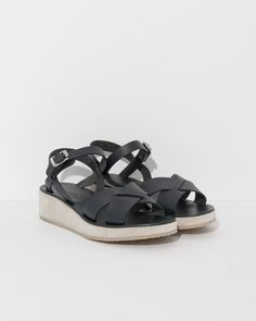 Sandales Originales in Dark Navy Apc, Vegetable Tanned Leather, Dark Navy, Parisian, Ready To Wear, Baby Shoes, My Style, Sandals