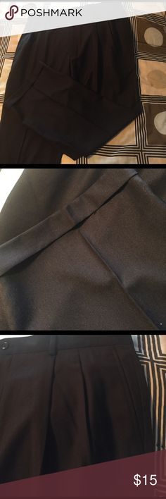 Men's Black Dress Pants size 40x30 Men's black pleated front Axcess dress pants. Size 40x30. From a smoke free home. Axcess Pants Dress