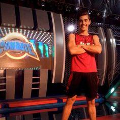 Sergio+Celli,+el+participante+de+Combate+furor+en+Twitter Gonzalo Gravano, Basketball Court, Twitter, Red, Green, Cute Guys, Actresses, Argentina