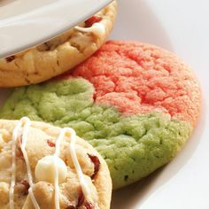 Green and Red Cookies (Easy; 18 cookies) #holiday #cookeis