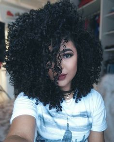 Afro hair is typically associated with natural curls that have a thick, frizzy texture. Such a distinctive type of hair might seem hard to manage, but this has not stopped African beauties from spo… Pelo Natural, Natural Curls, Afro Hairstyles, Pretty Hairstyles, Curly Hair Styles, Natural Hair Styles, Pelo Afro, Big Hair, Gorgeous Hair