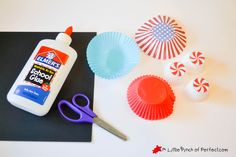 Make colorful fireworks that seem to burst off the page using cupcake liners for an easy Patriotic Craft for the Fourth of July or New Year's Day.  Kids can choose to use red, white, and blue, or any colorful selection of cupcake liners to craft with. We kept this craft mess free, but you could always …