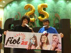 """Xosé A. Touriñán e Pepo Suevos, que acudiron ao #FIOT25 co seu espectáculo """"Dous homes e un vespino""""."""