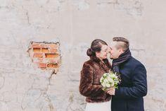 Winter wedding portrait by Kaisu Ojansivu