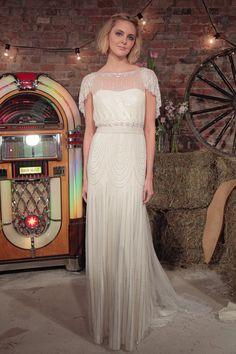 Fashion, Shopping & Style | Laissez Vous Tenter Par un Mariage au Thème Great Gatsby Avec ces Robes Style Années 20 | POPSUGAR Fashion France