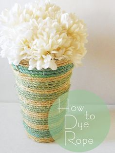 Delightfully Noted: How to Dye Rope: This would make and attactive home made cat scratching post.