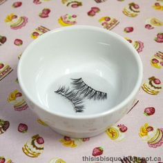 This is Bisque: Mini Tutorial: How To Clean and Reuse False Eyelashes Nail Design, Nail Art, Nail Salon, Irvine, Newport Beach All Things Beauty, Beauty Make Up, Diy Beauty, Beauty 101, Beauty Full, Fake Eyelashes, False Lashes, Ardell Lashes, Kiss Makeup