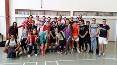 Grupo de 2 a 3 Basketball Court, Sports, Motors, Group, Games, Sport