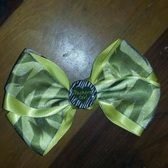 Hairbow Greenbay Packers Handmade says packers girl never been worn