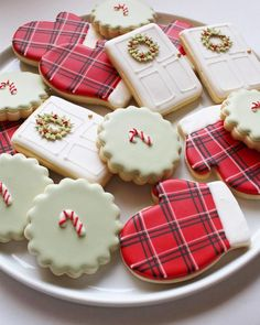 christmas cookies decorated Weihnachtspltzchen Merry Christmas everyone! Christmas Sugar Cookies, Christmas Sweets, Christmas Cooking, Noel Christmas, Holiday Cookies, Holiday Treats, Vegan Christmas, Homemade Christmas, Simple Christmas
