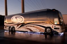 Some of Millennium Luxury Coaches' Favorite Must see Pictures. These rolling mansions combine cutting edge technology with world-class luxury and elegance. Prevost Coach, Prevost Bus, Rv Motorhomes, Luxury Motorhomes, Luxury Camping, Luxury Travel, Cool Rvs, Park Model Rv, Big Ride