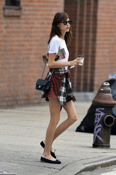 t-shirt+shirt+ballet shoes