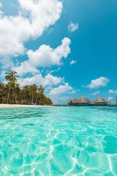 Maldives Beach, Maldives Resort, Maldives Travel, Vacation Destinations, Dream Vacations, Vacation Spots, Surf, Honeymoon Photography, Travel Photography