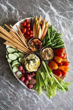 How to Put Together a Mediterranean Crudités Platter — Cooking with Cocktail Rings - Vegan Appetizers Veggie Platters, Party Food Platters, Veggie Tray, Vegtable Tray, Vegetable Tray Display, Vegetable Dish, Healthy Snacks, Healthy Eating, Healthy Recipes