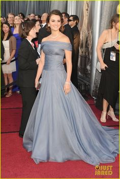 Penelope Cruz. Fave dress from the red carpet!