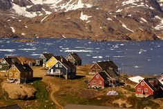 With an area of square miles and a population of just under Greenland is the world's most sparsely populated country. used to be part of but was given home rule in… Top Places To Travel, Cool Places To Visit, Travel Advice, Travel Guides, Cancun, Nature Photography, Travel Photography, Voyager Loin, Destinations