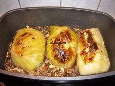 Zutaten für 4 Personen   1 Kopf Weißkohl  1 Brötchen vom Vortag  500g Hackfleisch gemsicht halb und halb  1 Ei  1Zwiebel,  Salz  Pfeff...