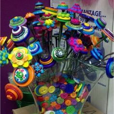 Because my sister loves me and knows of my love for buttons, allow me to introduce you to my Christmas present of 2011: button bouquet.