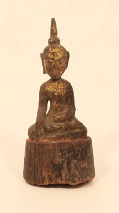 Thai Lanna period11-18th c small wood seated Buddha. SOLD to Australia