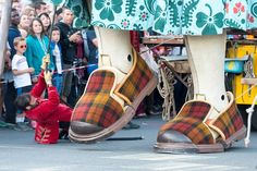 'Oma Reus' (Grandma Giant): nearly one million people came to see the Royal de Luxe Giants in Antwerp |  june 2015 | photo: Royal de Luxe | Reuzen Antwerpen.