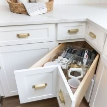 8 Vigorous Clever Tips: Small Kitchen Remodel Vintage galley kitchen remodel with peninsula.Kitchen Remodel Brown And White farmhouse kitchen remodel barn doors. Kitchen Corner, Smart Kitchen, New Kitchen, Kitchen Decor, Kitchen Ideas, Wooden Kitchen, Vintage Kitchen, Long Kitchen, Awesome Kitchen