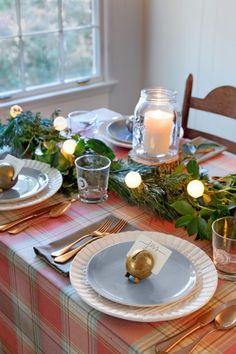 Set a Festive table #Partymostess #DIY #christmas #whitechristmas #christmastree
