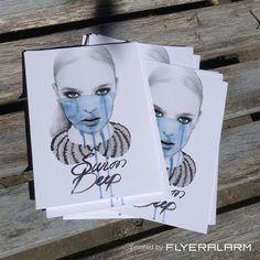 Modern, Vintage, Pop Art oder schon Urban? Ganz egal, Art Illustratorin und Grafikdesignerin Anastasia Dolin liebt die Vielfalt und lässt sich nicht festlegen. Für uns ist jedenfalls klar: Diese Postkarten sind kleine Kunstwerke. Auf den Geschmack gekommen? Postkarten für Deine Promo findest Du im FLYERALARM Shop.