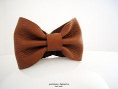 Bracelet noeud' pap en cuir marron caramel de patricia ferraris - hand made sur DaWanda.com